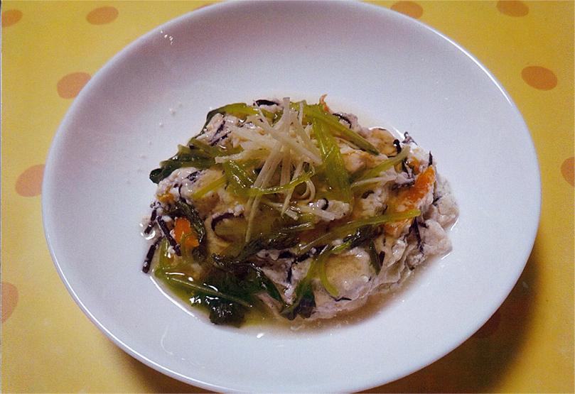 鶏ひき肉の蒸し物~針生姜てんこ盛り~