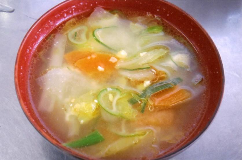 炒め豆腐&たっぷり野菜のみそ汁